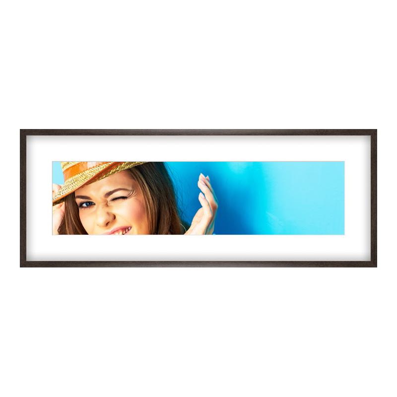 Fotopanorama im Bilderrahmen aus Holz gemasert in braun als Panorama im Format 100 x 25 cm