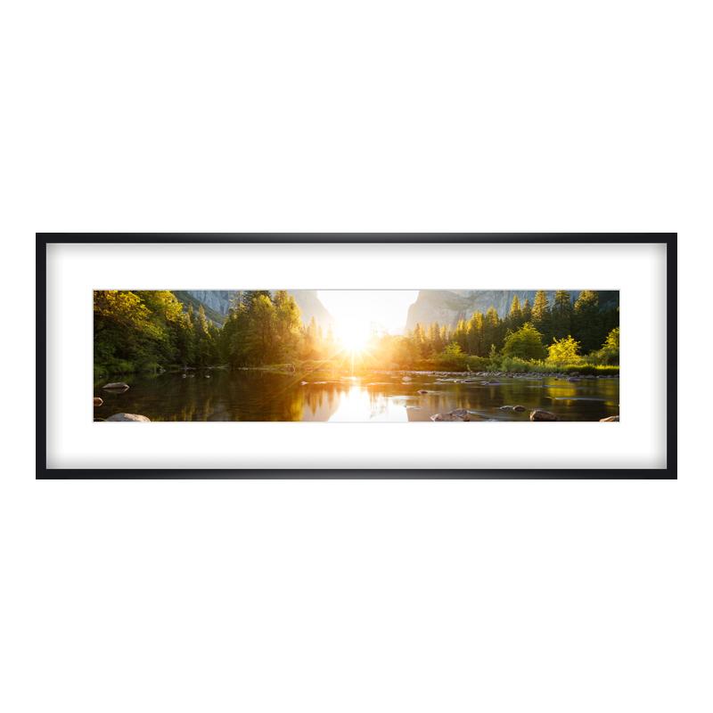 Express Fotopanorama im Bilderrahmen aus Holz in schwarz als Panorama im Format 100 x 25 cm
